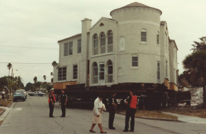 Triangle Inn in Venice Florida being moved in 1991